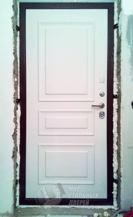 Входная дверь в квартиру Массив дуба в Москве