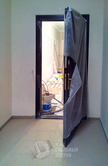 Простая деревянная дверь своими руками (9 фото)