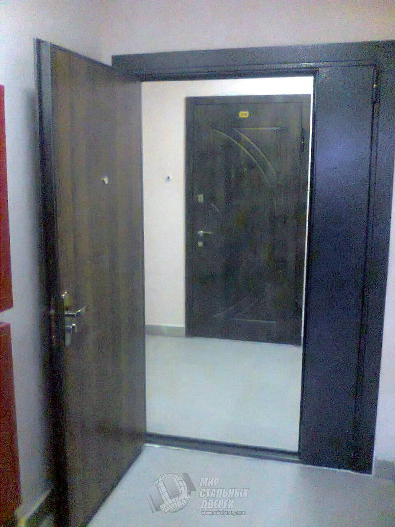Изготовление межкомнатных деревянных дверей из массива